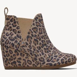 Toms Kelsey Ankle Boot Suede Leopard print